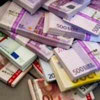 Eroghiamo prestiti per ogni esigenza e mutui.